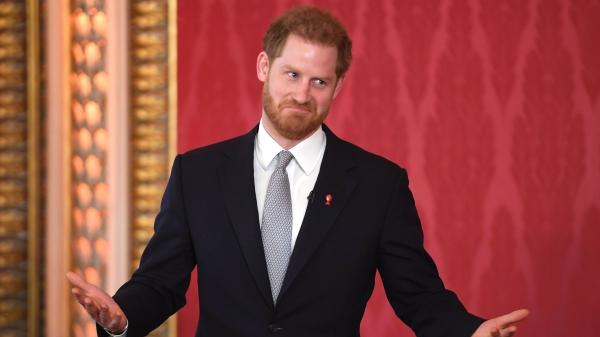"""为梅根出走王室?萨塞克斯公爵哈利从今年春天开始将失去""""殿下""""(HRH)头衔,对此,哈利终于打破沉默回应了。"""
