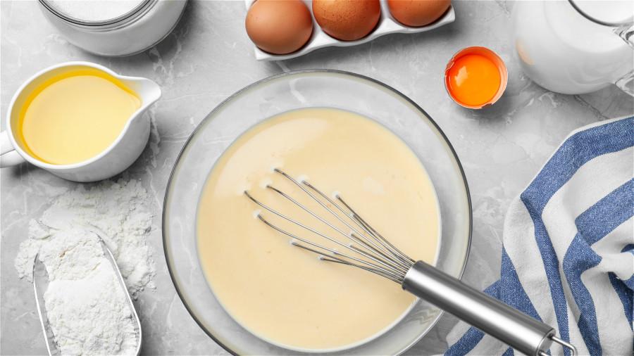 鸡蛋加面粉敷脸是皮肤白嫩光滑的秘方。
