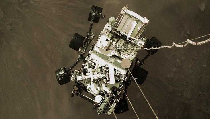 """美国""""毅力号""""探测车成功登陆火星。"""