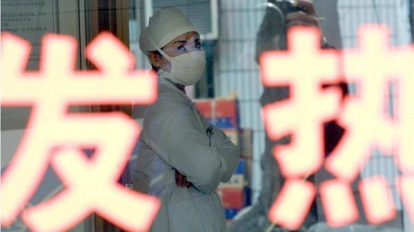 武汉不明肺炎人数呈直线上升趋势。这次疫情已经引发全球恐慌,而武汉当地却出现防人不防疫的怪象。