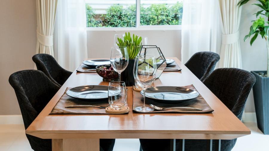 餐桌千萬別亂買,多少有錢人越住越窮。