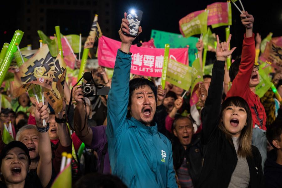 蔡英文当选 香港人自豪 蝴蝶效应波及世界