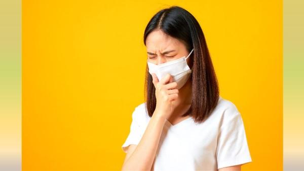 高溫、酒精或消毒水可能破壞口罩的材質,降低口罩的過濾效果。