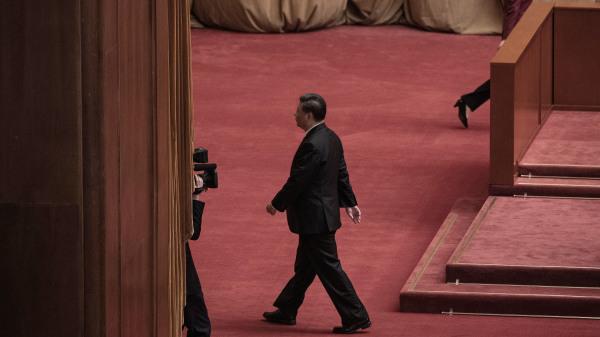 """五中全会,习近平如何固权、以及接班人会不会出现,引人关注。图为习近平参加10月23日北京大会堂""""抗美援朝""""70周年大会"""