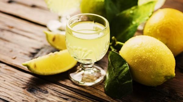 常飲檸檬汁,可以白嫩皮膚,有效祛斑。