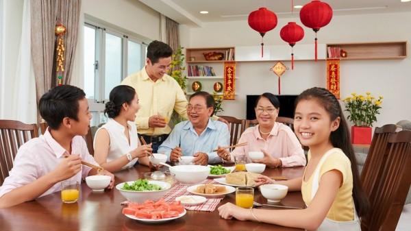 每個人要多注意飲食問題,過量的飲食和酒精可能對身體造成嚴重的危害。