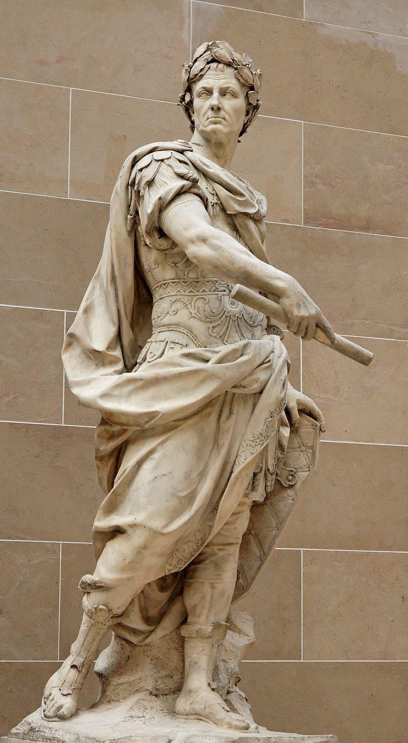 頭戴月桂冠愷撒雕像,羅浮宮藏。
