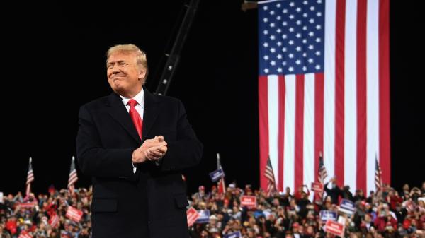 2020年12月5日,川普总统在乔治亚州的参议员助选集会上