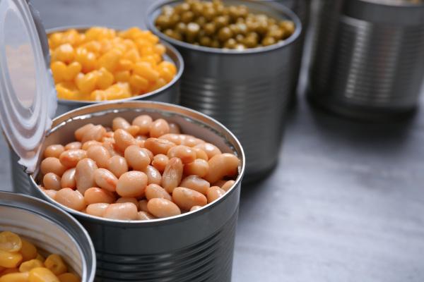 罐頭是最方便的食品,打開就能吃,可以有各種口味。