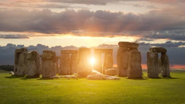 """最流行的说法是,巨石阵是一座非常古老的""""天文台""""。"""