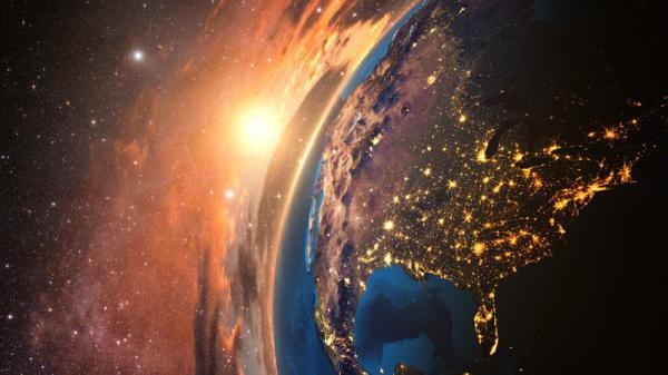 地球上某一处的某一物体陷落到另外的时空,又返回到现实的空间。