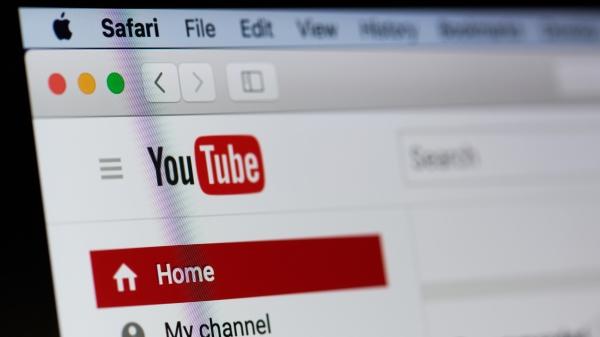 YouTube全球大當機,火速登上微博熱搜,網友全笑炸了。