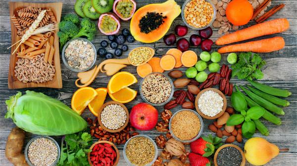 均衡飲食,低熱量、低脂肪,才能避免腦梗發生。