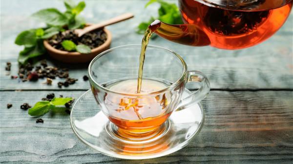 茶水跟其他的飲品相比,沒有額外添加的糖分,也沒有脂肪。