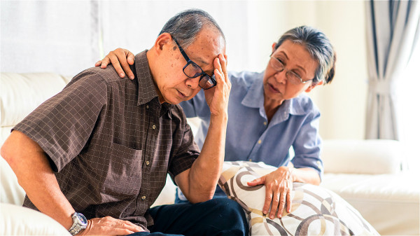 在發生腦梗前,大部分的患者都會有持續性頭痛的症狀。