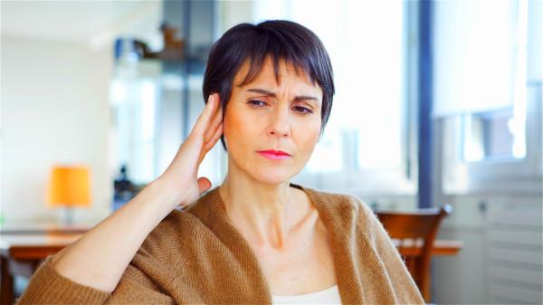 腎臟的狀態在一定程度上可以通過耳朵的表現來判斷。