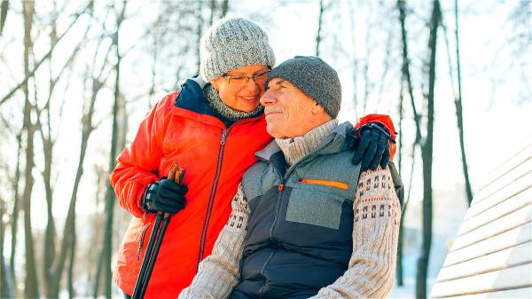 老年人小小感冒引發肺炎,免疫力不好,很快就會用最強用藥等。
