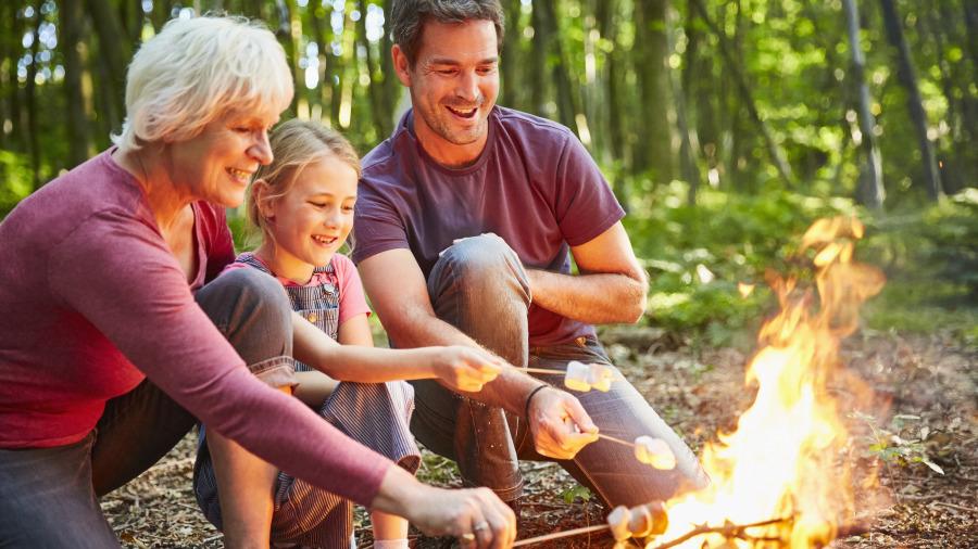 野外需要用火時,但是卻沒有火柴或打火機怎麼辦 。