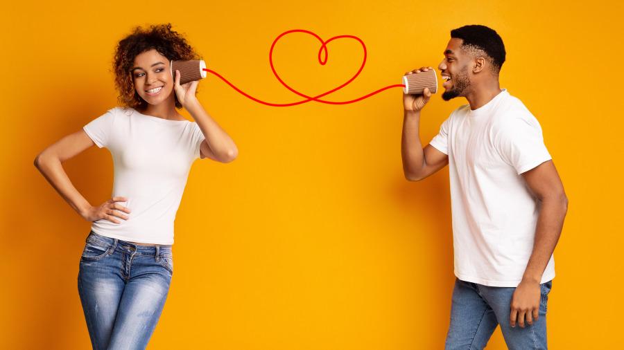 研究發現「伴侶之間差一歲」最幸福!專家列出「各種年齡差的影響」。