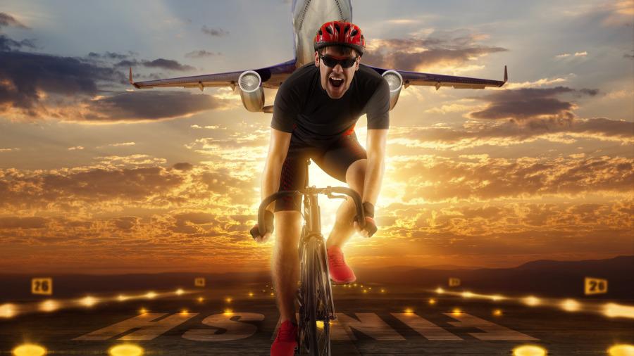 男子比賽騎單車「一直被對手超車」,下一秒他決定「使出終極大絕招」直接逆轉結局!