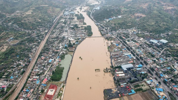 2021年10月10日山西省北部的介休在强降雨后出现了水淹。
