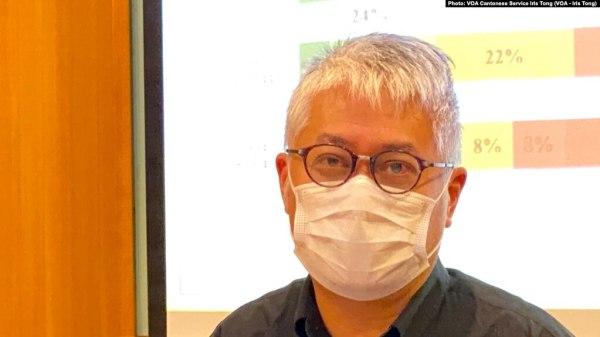 """近两年香港经历了反送中运动跟北京直接实施《港区国安法》,触发新一波之移民潮。有民意调查结果显示,逾20%有计划要永久离港。图为""""我们香港人""""计划之名誉总监黄伟国。"""