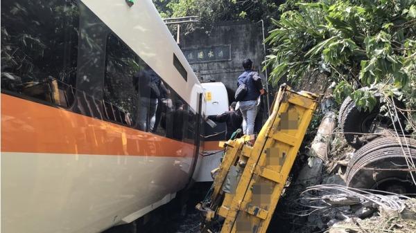 台鐵太魯閣號列車出軌事故造成了重大死傷,各國友邦紛紛表達哀悼及關切。